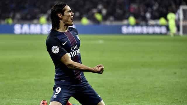 Doblete de Cavani para la victoria 2-1 del PSG ante Lyon