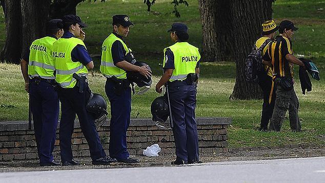 Ganó la violencia: se suspendió el clásico por incidentes en la Ámsterdam