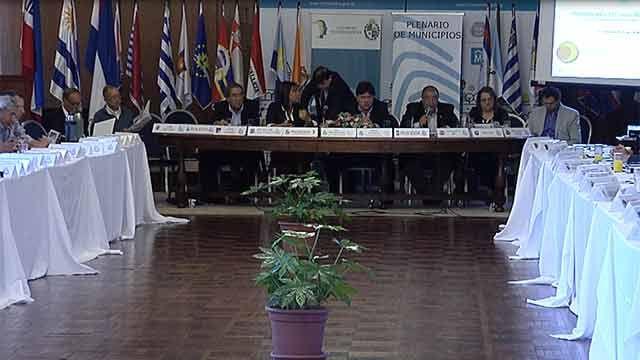 Alcaldes entregaron una carta a Vázquez en reclamo de mayor autonomía
