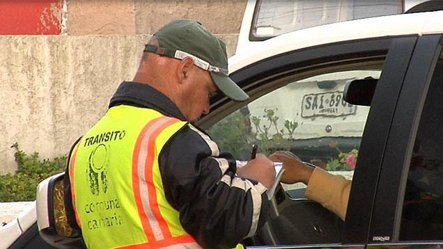 """Unas 40 personas detenidas por libretas de conducir """"truchas"""" en Las Piedras"""