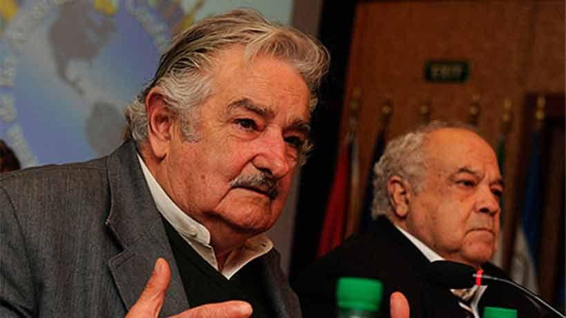 Eleuterio Fernández Huidobro y José Mujica en el cine