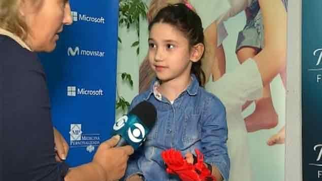 Entregaron decenas de prótesis de manos gratis a niños en la #Manotón
