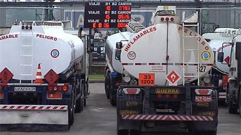 Advierten desabastecimiento de combustible por nuevo paro de camioneros