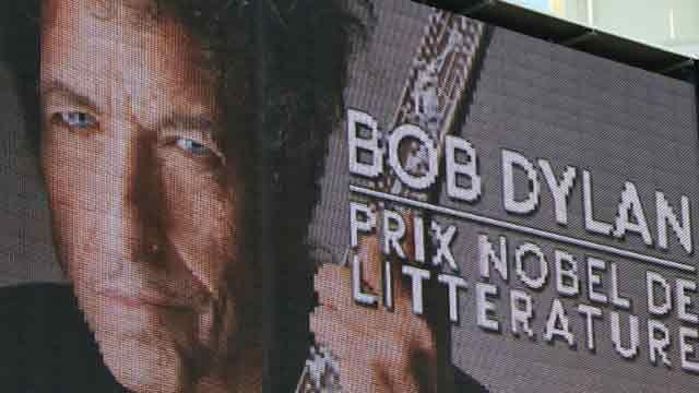 Bob Dylan no concurrirá a recibir el Nobel por tener otros compromisos