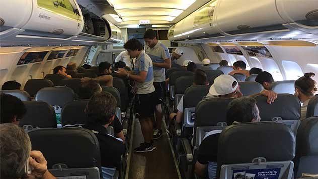 La Celeste llegó a Chile con la posibilidad de que Cavani sea titular