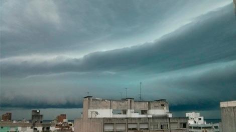 Ocho departamentos bajo alerta naranja por tormentas fuertes