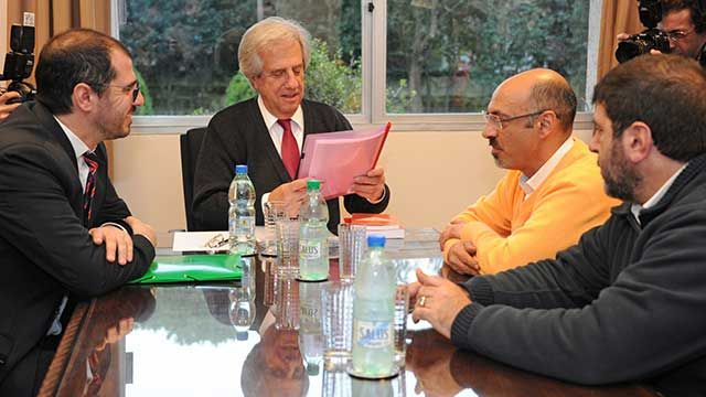 Vázquez y PIT-CNT se reúnen hoy por regasificadora y Consejo de Salarios