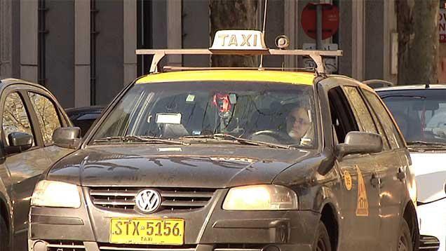 """Cuatro empresas de taxis rechazan la medida de eliminar el """"cero ficha"""""""