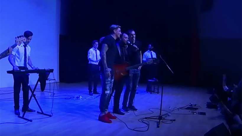 """Godín y Josema bailaron y cantaron """"5 minutos"""" con Lucas Sugo en Madrid"""