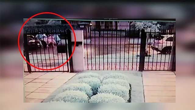 Cámaras captan violento asalto a una madre y su hija pequeña en Carrasco