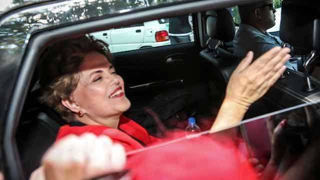 Dilma Rousseff llega a Montevideo para encabezar acto del PIT-CNT