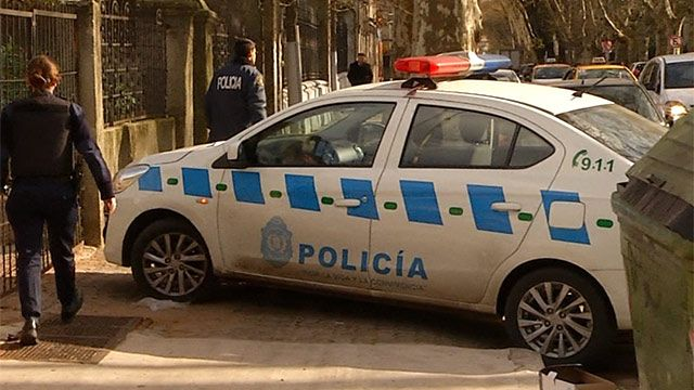 Más violencia en Carrasco Norte: rapiñan casa, persecución y policía herido