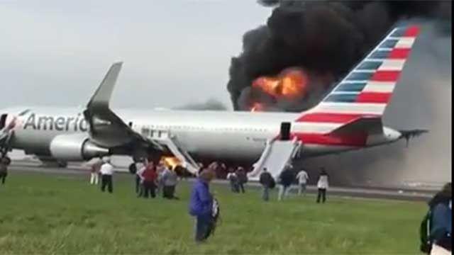 Un avión se incendió cuando iba a despegar en aeropuerto de Chicago