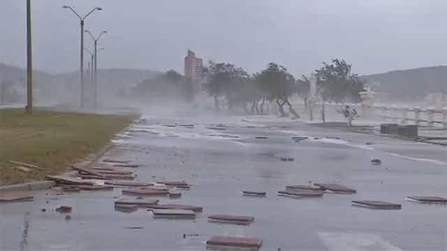 Así quedó la rambla de Piriápolis durante el ciclón extratropical