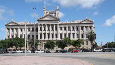 Velatorio de Batlle en el Palacio Legislativo este martes desde la hora 8