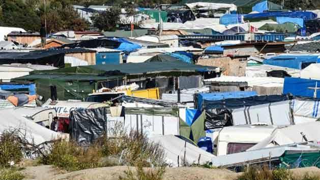 Último día de funcionamiento del campo de refugiados más polémico de Europa