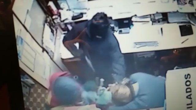 Violento copamiento en un súper: maniataron y golpearon a la encargada