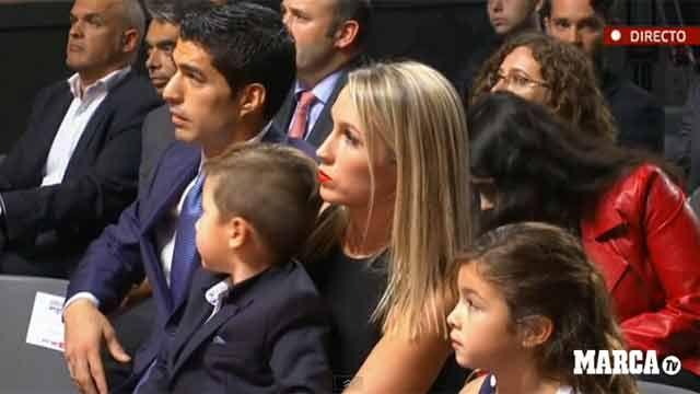 Emocionado, Suárez recibió su segunda Bota de Oro