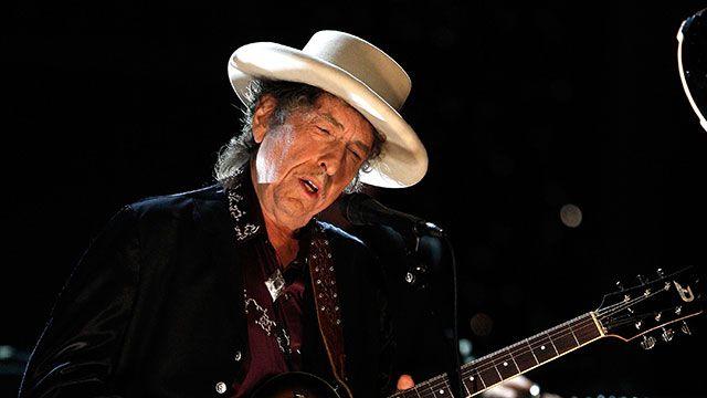 Bob Dylan no atiende el teléfono y no saben si aceptará el premio Nobel