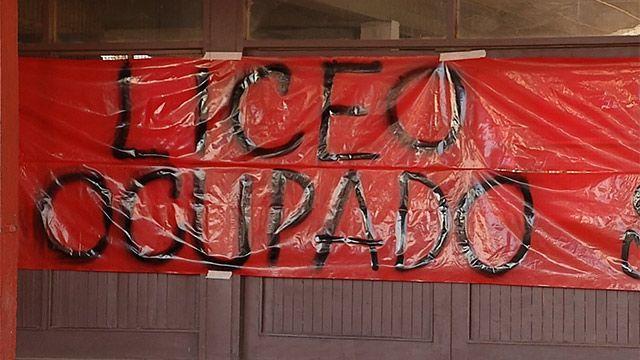 Docentes ocupan Liceo 25 y reclaman que se investigue la gestión
