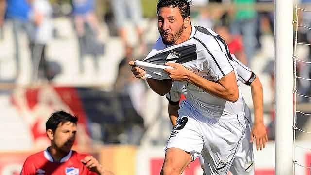 Danubio ganó 1 a 0 ante Cerro y continúa liderando el campeonato