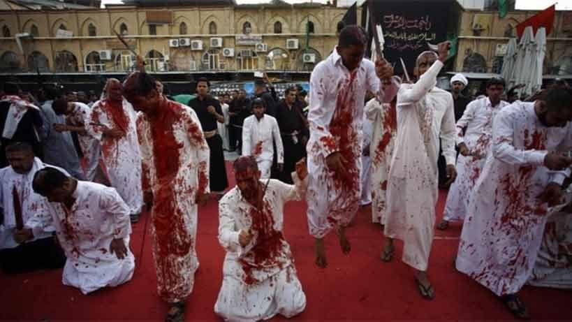 Bañados en sangre y flagelándose, chiitas del mundo celebran la Ashura