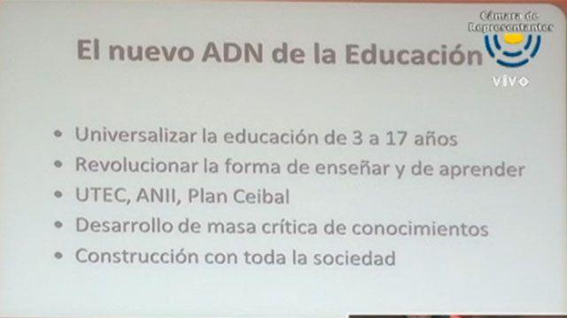 """Muñoz dijo que la educación """"no es un desastre"""" y defendió el cambio de ADN"""