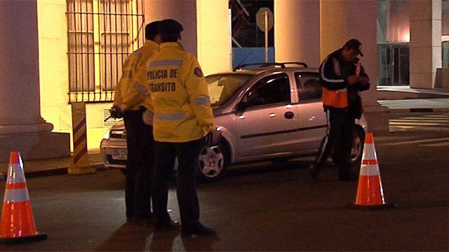 Martínez pide denunciar procedimientos abusivos de inspectores contra Uber