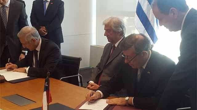 Uruguay firmó TLC con Chile: Un acuerdo inédito por lo rápido, dijo Nin