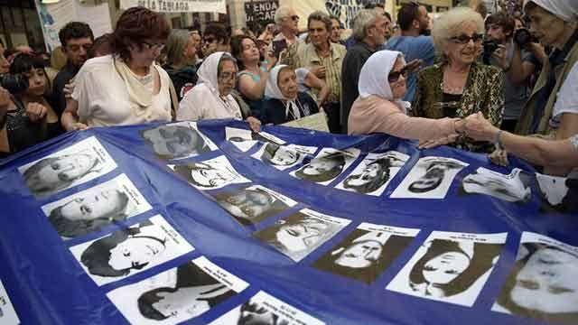Abuelas de Plaza de Mayo encontraron al nieto 121 en Argentina