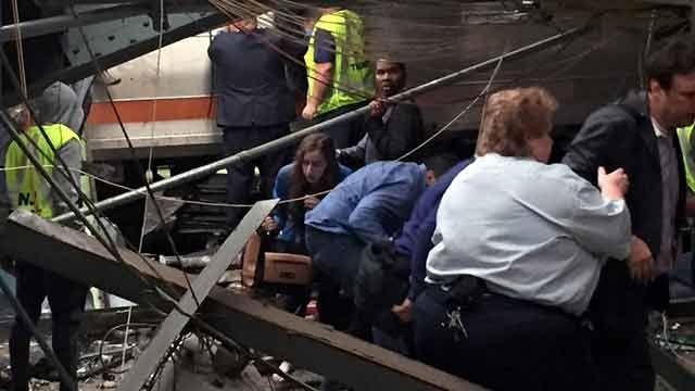 Una fallecida y más de 100 heridos tras choque de tren en New Jersey