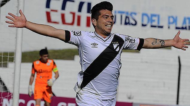 Danubio ganó 3 a 0 a Plaza Colonia y lidera la tabla del Uruguayo Especial