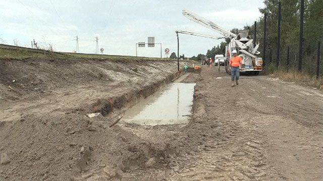Construyen muro de 4 metros en Francia para impedir paso de refugiados