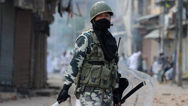 Atentado suicida causa 16 muertos en mezquita del noroeste de Pakistán