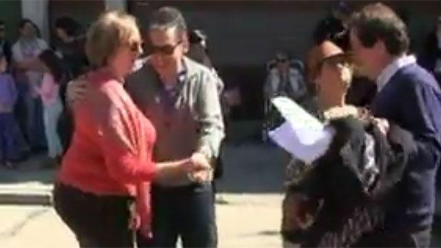 María Julia Muñoz y el intendente de Florida bailan en un acto protocolar