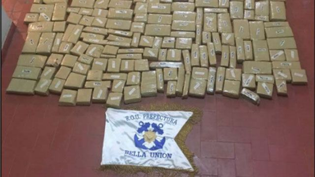 Incautaron 200 kilos de marihuana que pretendían ingresar desde Brasil