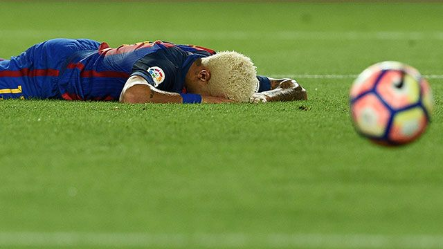 El Barça perdió en el Camp Nou con el Alavés; Suárez arrancó en el banco
