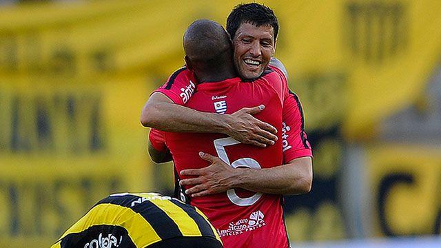 Wanderers le ganó 1-0 a Peñarol el Campeón del Siglo; ¿seguirá el Polilla?