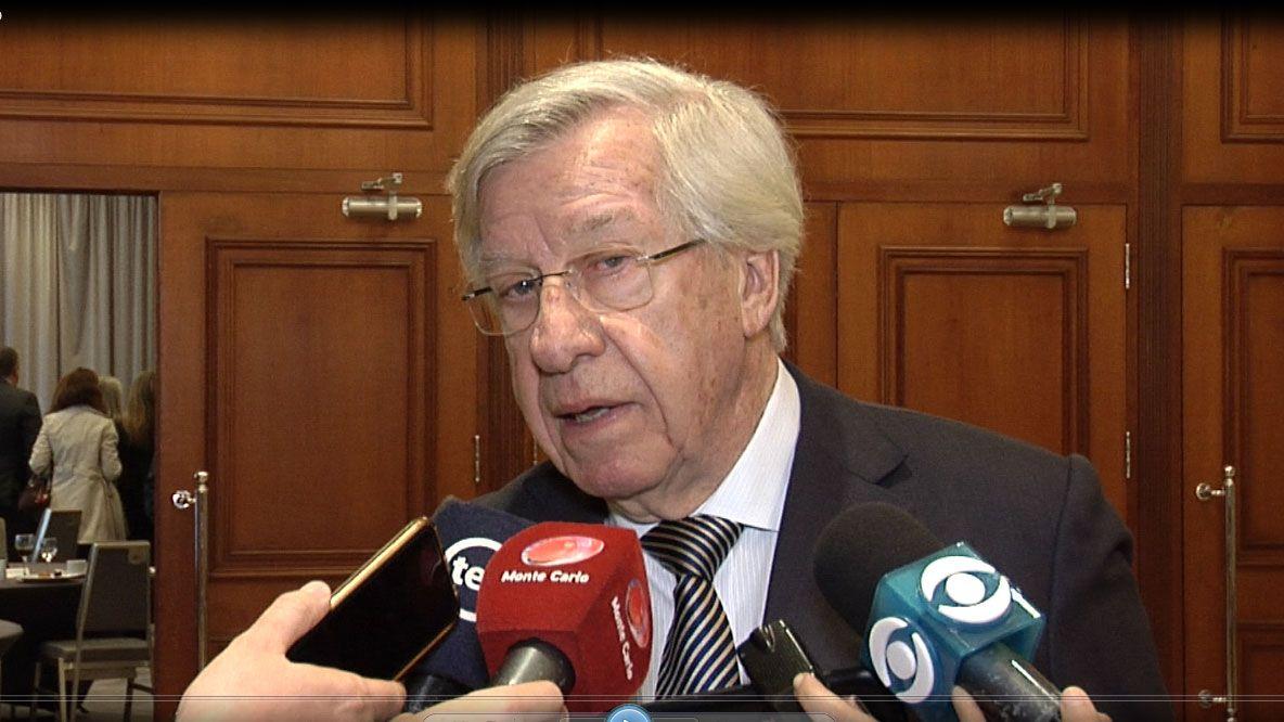 """Astori dijo que secretarios """"dependen"""" de los legisladores y no del sector"""