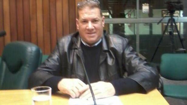 Juez pidió pericia psiquiátrica para el edil agresor y su pareja