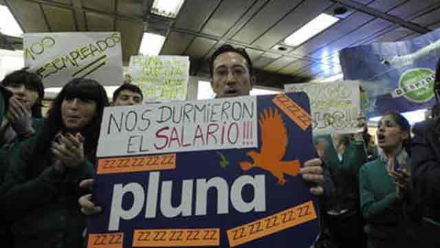 450 exfuncionarios de Pluna, primeros en cobrar deuda por US$ 2 millones