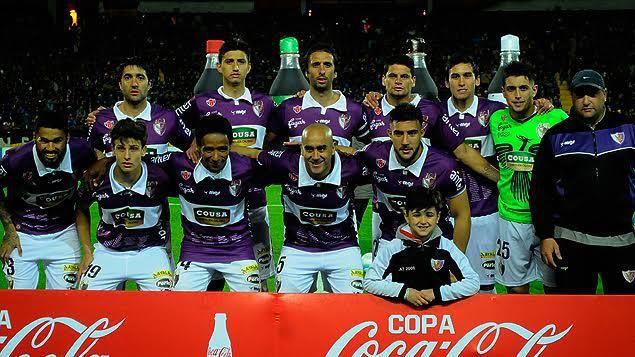 Peñarol le ganó 2 a 0 a Fénix con goles de Dibble y Murillo