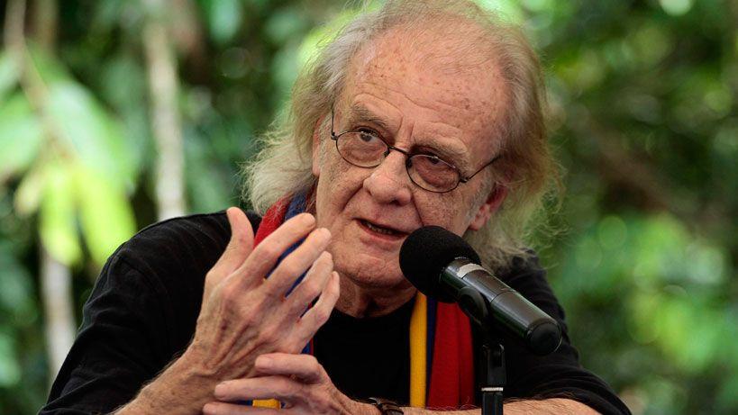 Luis Eduardo Aute suspendió su gira por América Latina tras sufrir infarto