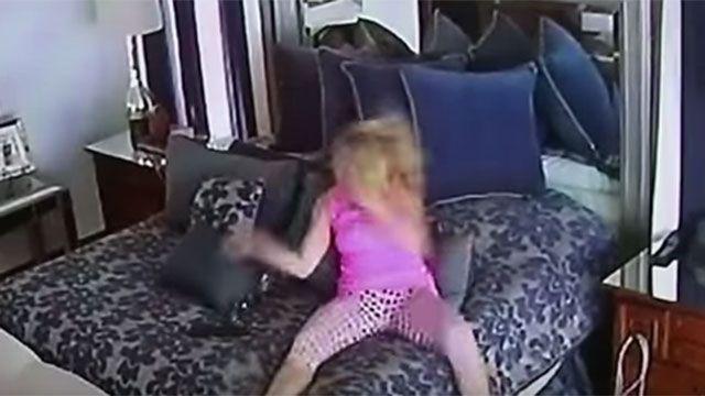 Mujer se pega a sí misma preparando una denuncia por violencia doméstica