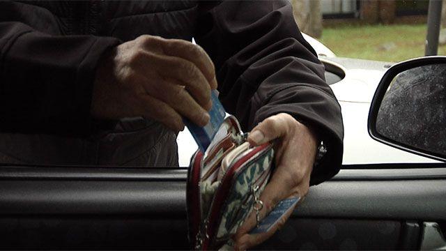 Advierten por nueva modalidad de robo: el cambio de tarjetas de crédito