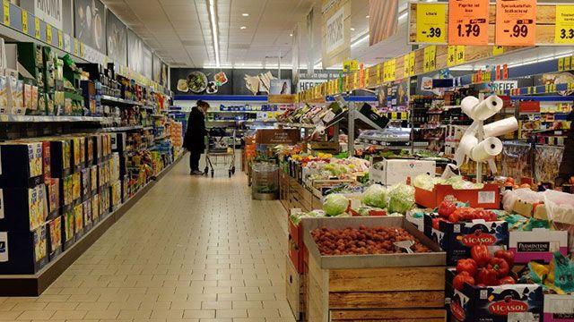 Supermercado indemnizará a mujer a la que identificó como Glúteos grandes