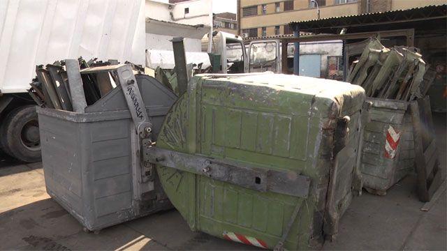 Intendencia de Montevideo repara por día unos 90 contenedores de basura