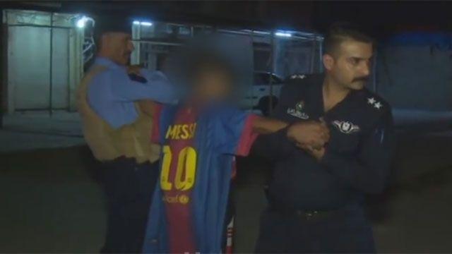 Detienen a niño con camiseta de Messi que iba a inmolarse en una mezquita