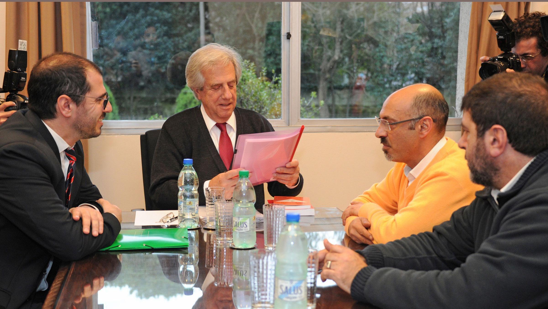 El PIT-CNT convoca a un paro pese a que Vázquez mejoró pauta salarial