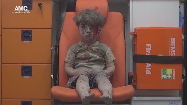 Omran, el niño sirio símbolo del horror que se vive en Alepo